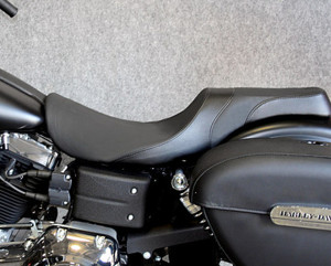 Weekday 2-Up Seat For 06+ Harley Dyna Models