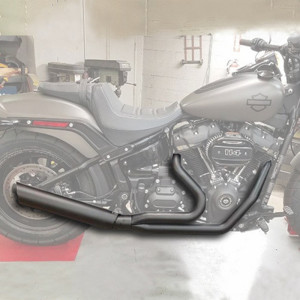 Low Cat 2:1 Full Exhaust Black Up-Swept - For 18-20 Harley Softail